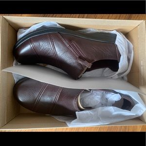 Size 10 Clark's Brand Cheyn Clay Leather Shoes